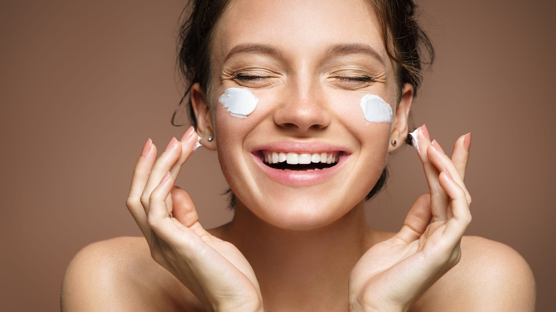 Your make-up base: healthier and more skin-friendly thanks to hyaluronic acid.