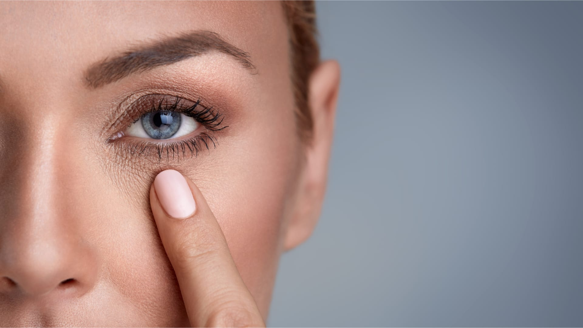 All the secrets of hyaluronic acid-injection eye treatments.